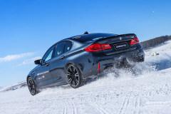 全新BMW M5的挠雪视频慢动作展示