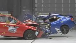 丰田旗下家轿互撞,谁的表现会更好?