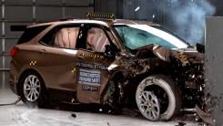 副驾安全不可忽略,这个角度碰撞对比要重视