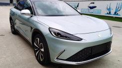 ARCFOX首款轿车本月上市!续航708km 超比亚迪汉